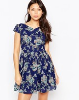 Iska Floral Print Zip Back Dress