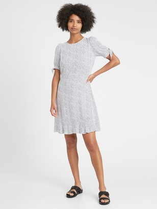 Banana Republic Petite ECOVERO Puff-Sleeve Dress