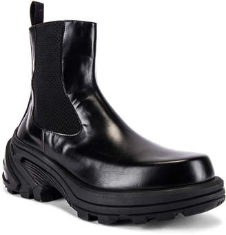 Alyx Chelsea Boots With Removable Vibram Sole Var. 2 in Black | FWRD