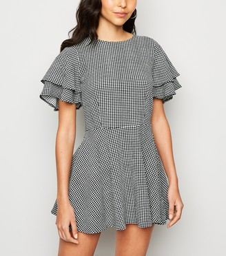 New Look Sunshine Soul Gingham Flutter Sleeve Dress