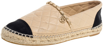 Chanel Beige/Black Quilted Leather and Fabric Cap Toe Espadrille Flats Size 38