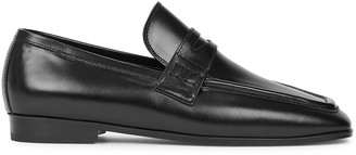 Low Classic Black leather loafers