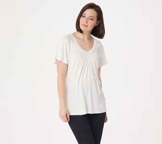 Laurie Felt Rayon Made from Bamboo Blend Lattice V-Neck Short-SleeveTop