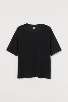 H&M H&M+ Fine-knit T-shirt