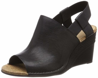 Clarks Women's Spiced Bay Closed Toe Sandals