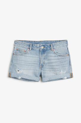Monki Low waisted denim shorts