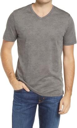 Robert Barakett London Print V-Neck T-Shirt