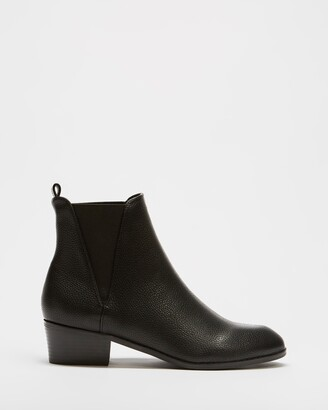 Spurr Women's Black Chelsea Boots - Miles Ankle Boots - Size 5 at The Iconic