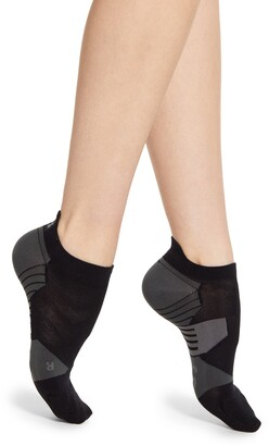 On Low No-Show Running Socks