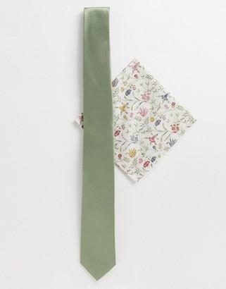 Gianni Feraud liberty print pocket square with plain tie