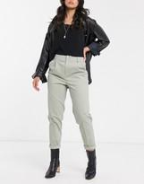 Asos Design DESIGN chino pants in sage