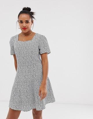 Glamorous smock dress in scattered spot print-Cream