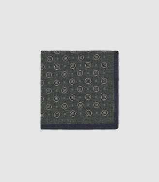 Reiss Mountain - Wool Medallion Pocket Square in Green