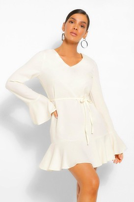 boohoo V Neck Ruffle Hem Shift Dress