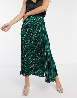 Liquorish pleated midaxi skirt in abstract print with side slit