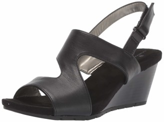 Bandolino Footwear Women's Gannet Wedge Sandal