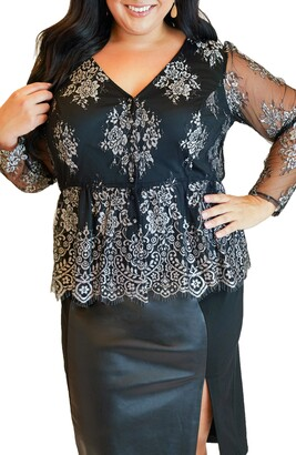 Maree Pour Toi Long Sleeve Peplum Lace Tunic