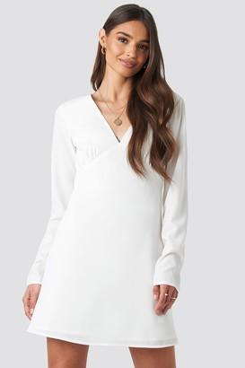 NA-KD Iva Nikolina X V-Neck Mini Dress White