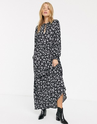 New Look tie neck long sleeve smock dress in ditsy floral