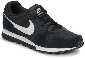 Nike MD RUNNER 2 SUEDE men's Shoes (Trainers) in Black