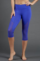 Zobha Marky Fitted Capri Leggings
