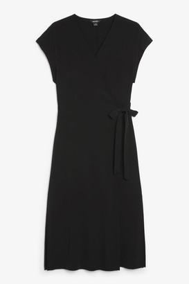 Monki Sleeveless wrap dress