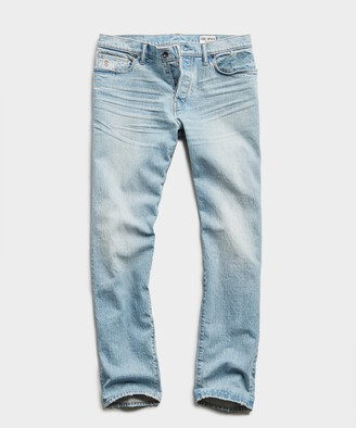 Todd Snyder Straight Fit Stretch Indigo Jean in Pebble Beach Wash