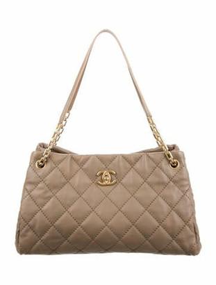 Chanel Retro Chain Shopper brown