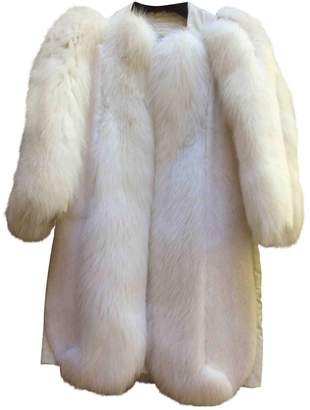 Louis Vuitton \N White Mink Coats