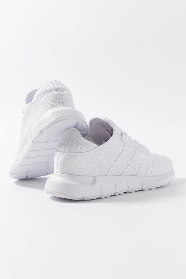 adidas women's swift run sneakers