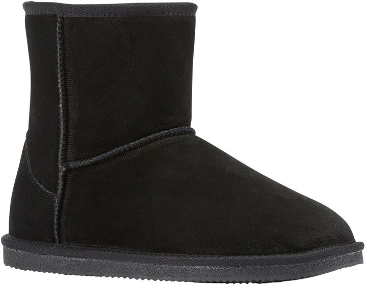 f02cd94a7b7 Suede Boots - Classic 6