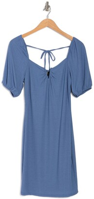 Luna Chix Wired V-Notch Puff Sleeve Sheath Dress