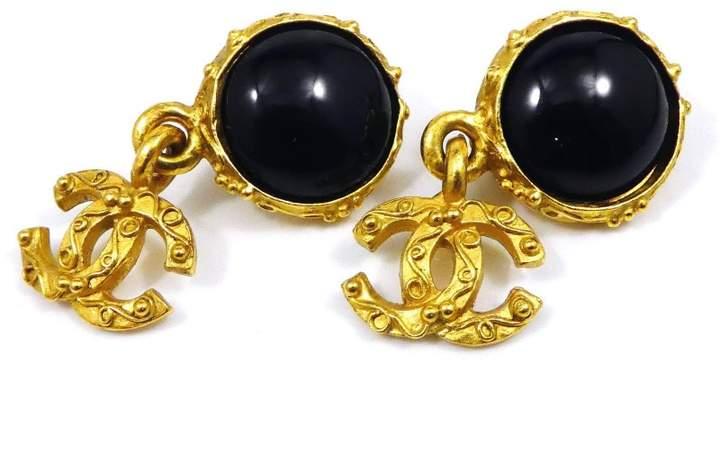 Chanel Coco Mark CC Logo Gold Tone Hardware & Onyx Clip-On Swing Earrings