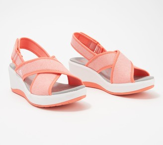Clarks CLOUDSTEPPERS by Cross-Strap Wedges - Step Cali Cove