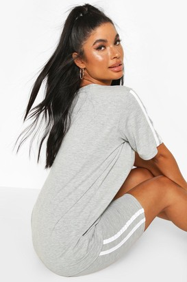 boohoo Petite Oversized T-Shirt & Cycling Short Set