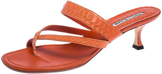 Manolo Blahnik Orange Python Susa Thong Kitten Heel Sandals Size 40