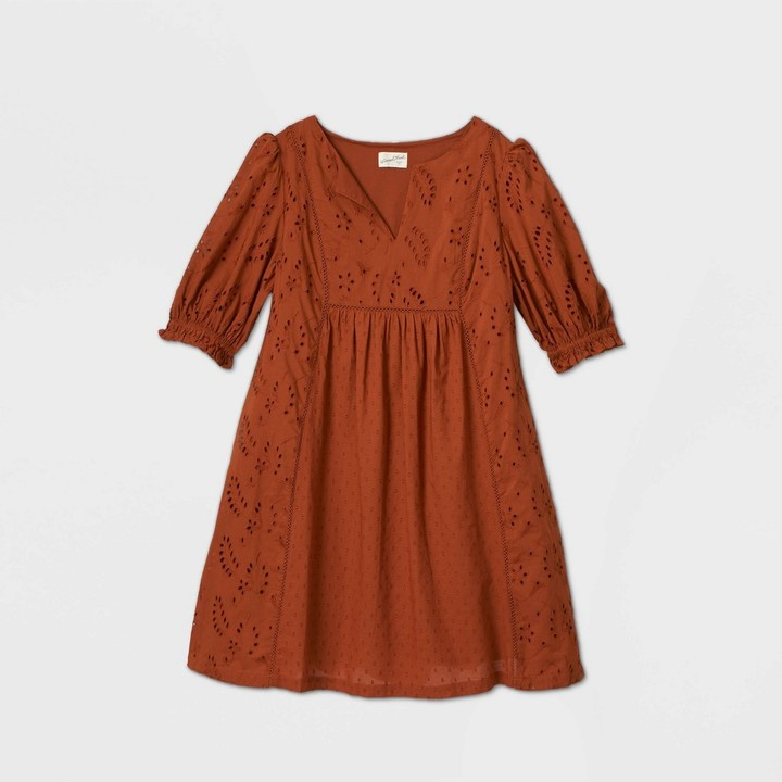 Universal Thread Women's Baoon Ebow Seeve Eyeet Dress - Universa ThreadTM