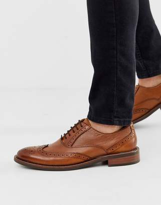 Dune pebble leather brogue shoe in tan