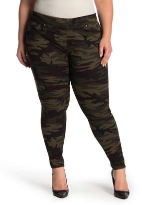 """Levi's Pull-On Camo Leggings - 30-34\"""" Inseam (Plus Size)"""