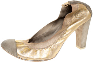 Chanel Gold/Grey Textured Leather And Suede Cap Toe Scrunch Pumps Size 37