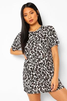 boohoo Petite Leopard T-Shirt Dress