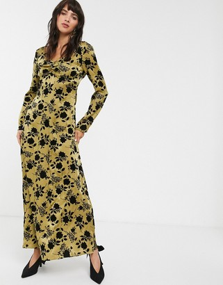 Glamorous maxi smock dress in velvet flocked jaquard-Green