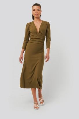 NA-KD Deep V Waist Detail Dress