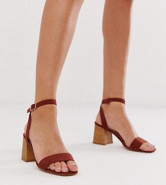 New Look wooden low block heeled sandal in rust-Red