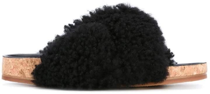 Chloé Kerenn fur slides