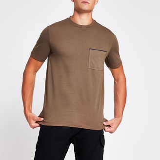 River Island Mens Brown slim fit short sleeve pocket T-shirt