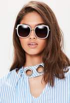 Missguided White Matte Frame Square Sunglasses, Black