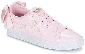 Puma WN SUEDE BOW PATENT.CRADLE women's Shoes (Trainers) in Pink