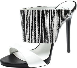 Giuseppe Zanotti Gianvito Rossi Monochrome Leather And Patent Sandals Size 38.5