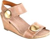 Taos Women's Footwear Carousel